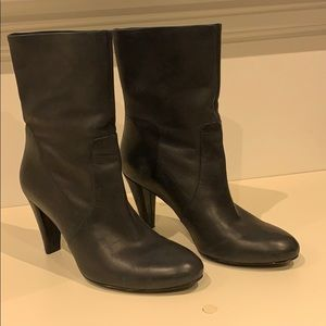 ECCO mid cut leather ankle boots size 39/9